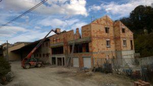 EDB - RIVES Construction de deux maisons mitoyennes en briques collés au Dryfix